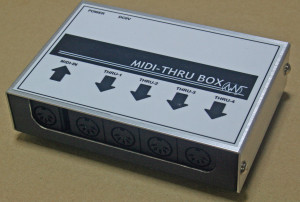 MIDI-Through Box 4+1